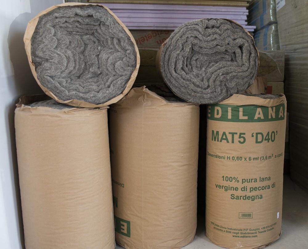 Lana di pecora EDILANA per isolamento termico e acustico.