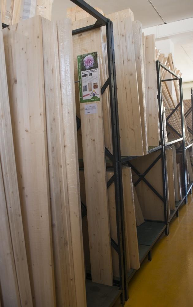 Listelli in legno di pino e di abete per bricolage e fai da te